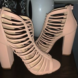 Shoes - 🔥 Sexy Taupe Caged Ankle Booties Sz 8
